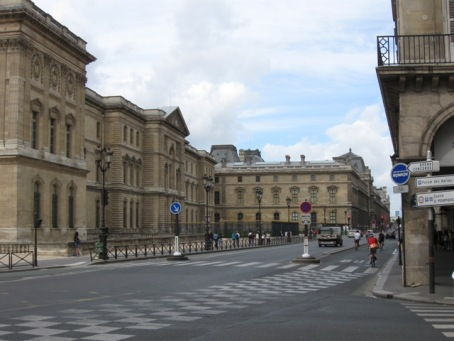 Louvre_outside3